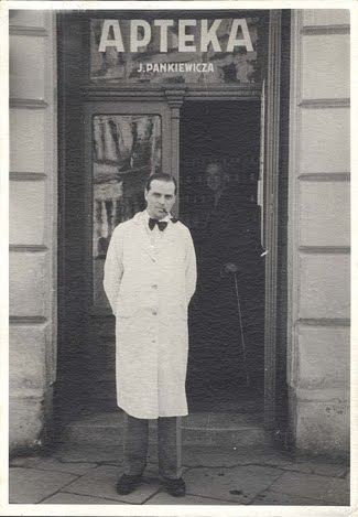 Tadeusz Pankiewicz in front of the Eagle Pharmacy, circa 1942