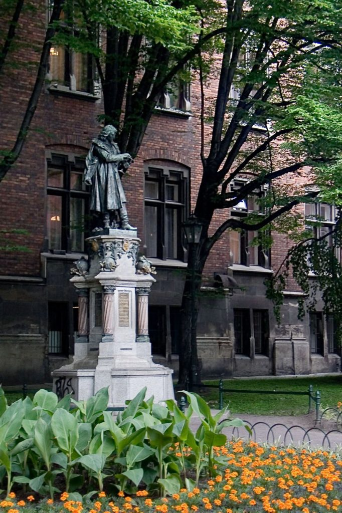 Nicolaus Copernicus Monument, in front of the Witkowski Collegium, Jagiellonian University