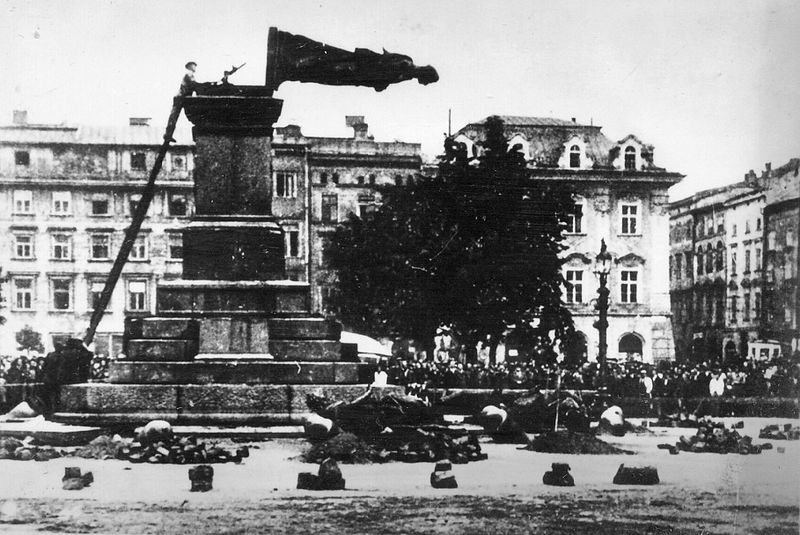 Destruction of Mickiewicz Monument by Nazis, 1940