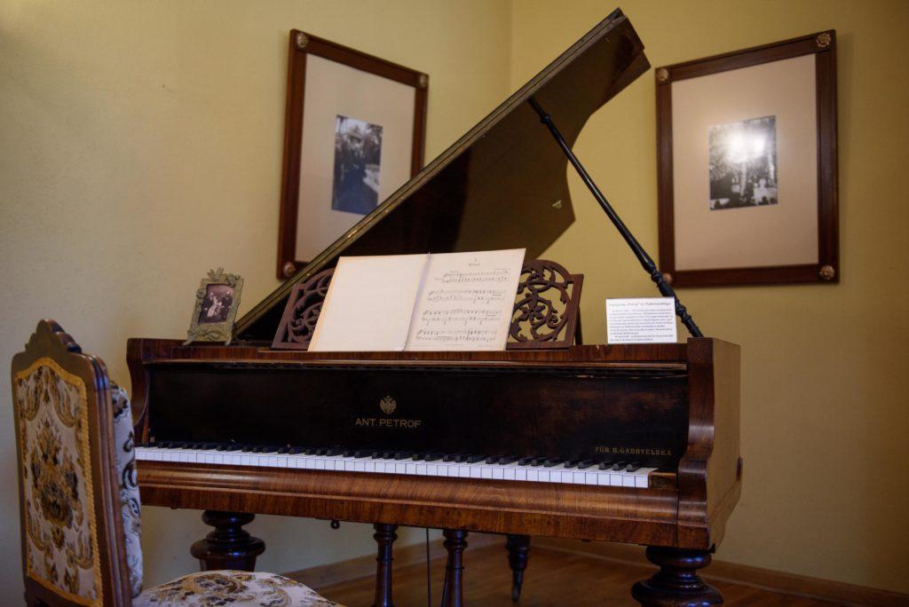 Jan Paderewski grand piano in Kąśna Dolna